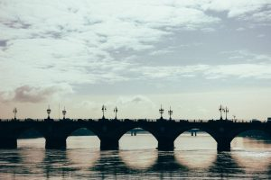 Tout sur la location de voiture dans la ville de Bordeaux